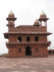 "Akbar's hall for public audiences at Fatehpur Sikri: the ""City of Victory"""